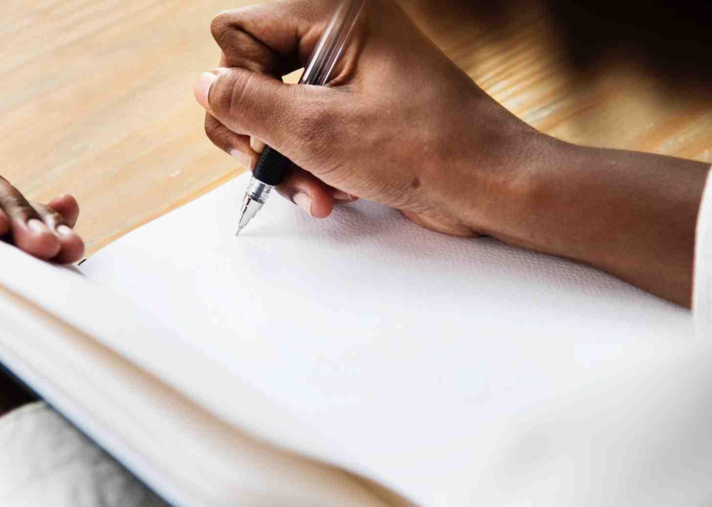 Mengetahui Kaidah Teks Berita Sebelum Menulis
