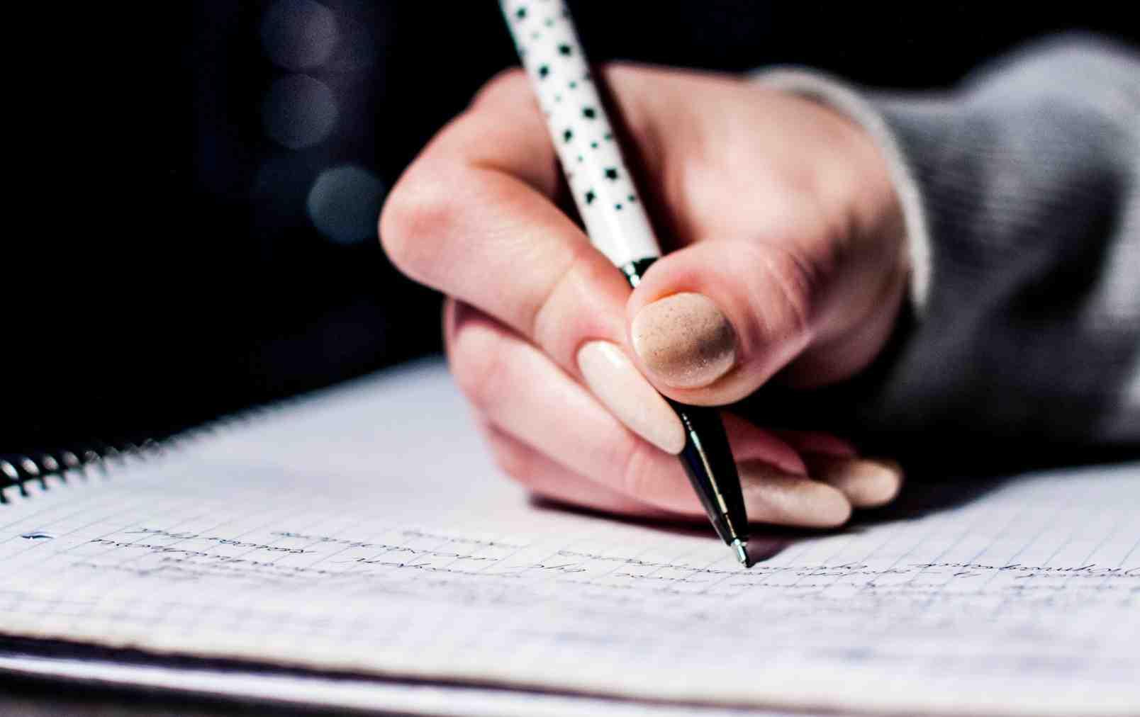 Menulis Teks Berita