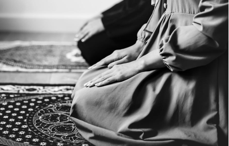 seorang muslim wajib melaksanakan shalat
