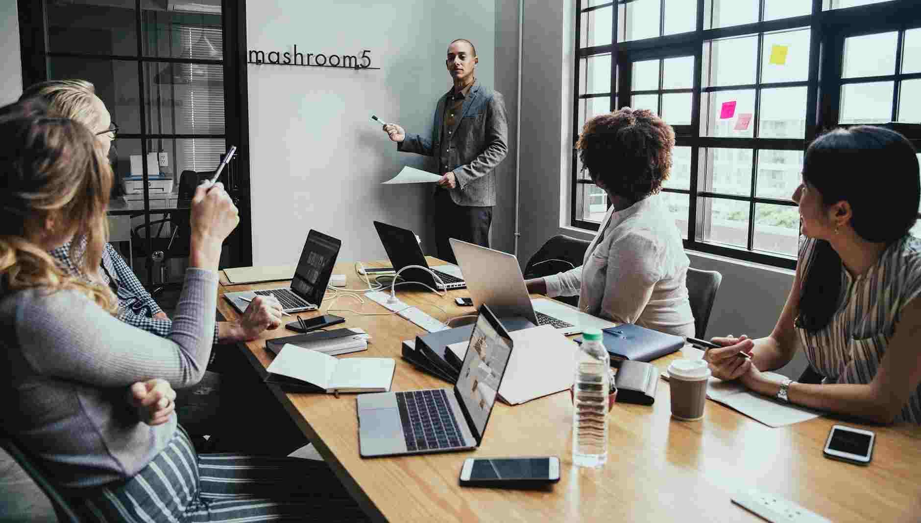 Interaksi sosial kelompok dengan kelompok