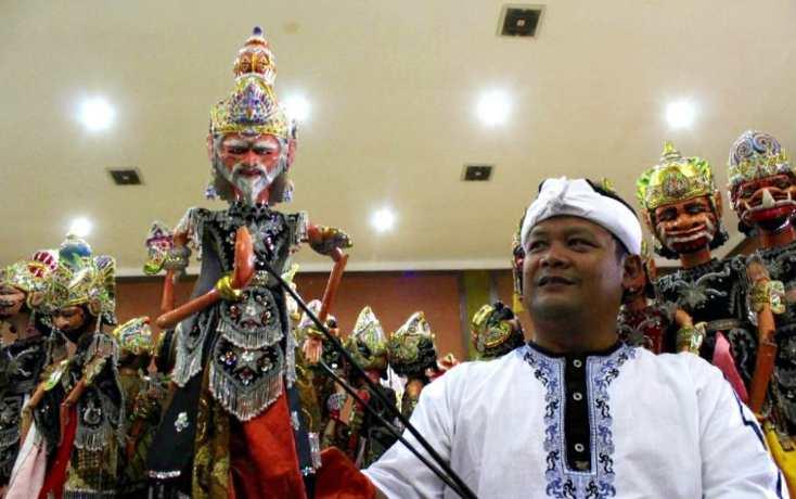 Wayang golek contoh perkembangan seni rupa tradisional
