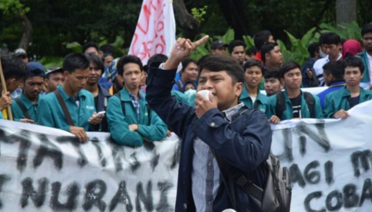 Contoh Budaya Politik Partisipan Demonstrasi