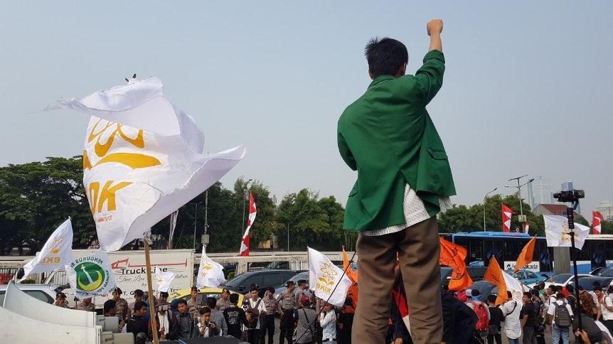 Bentuk Partisipasi Masyarakat dalam Sistem Politik