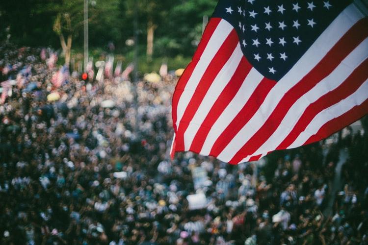 Contoh Demokrasi Konstitusional