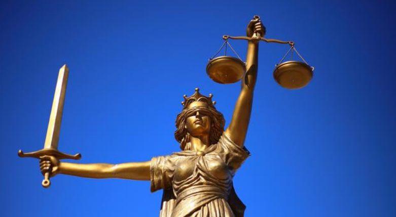 Konsep reaksi penempatan hukum sebagai kedaulatan tertinggi