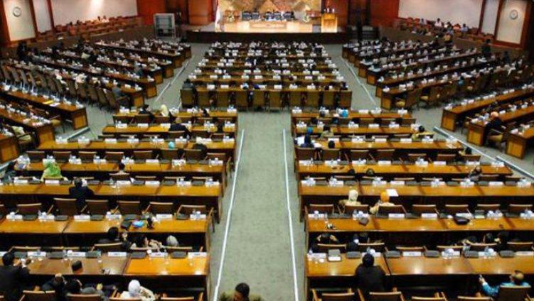 Pengertian lembaga politik secara umum