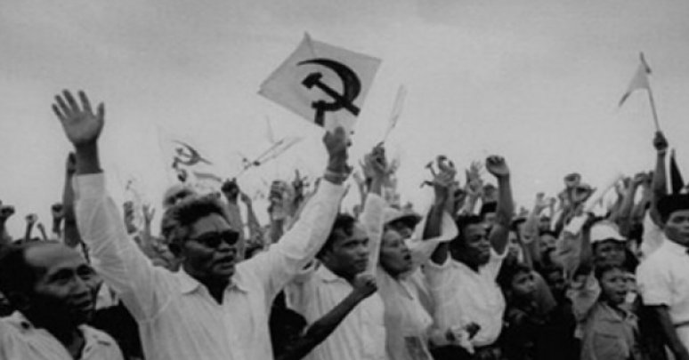 ciri demokrasi terpimpin Semakin berkembangnya paham komunis