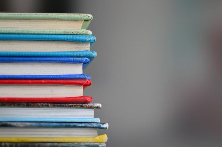 contoh sikap tanggung jawab Mengerjakan tugas sekolah dengan baik