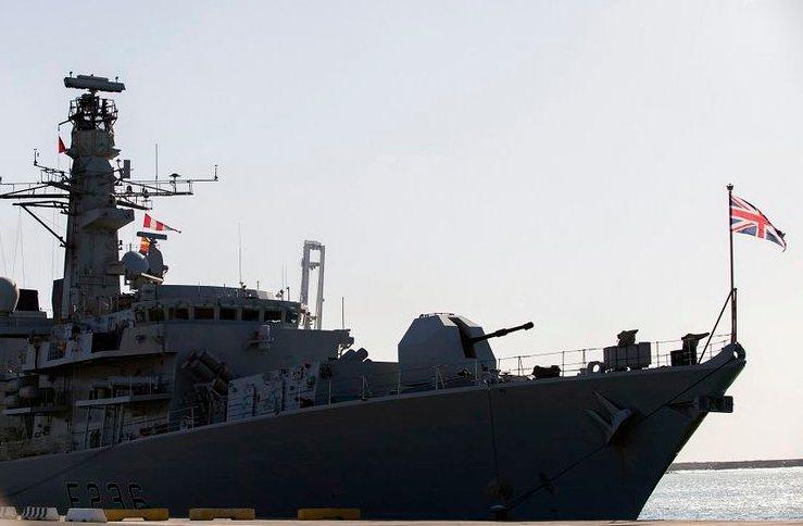 contoh wilayah ekstrateritorial Kapal negara lain yang berada di Indonesia