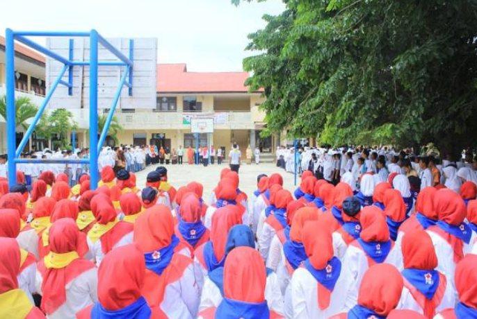 sikap kepahlawanan dalam kehidupan sehari hari Partisipasi dalam kegiatan Palang Merah